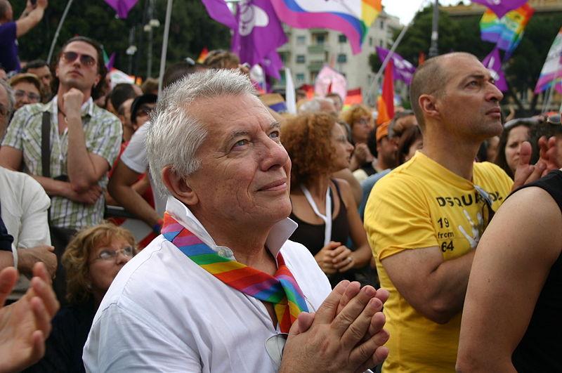 800px-Piccolo,_Vanni_al_Pride_di_Roma_-_16-6-2007_-_Foto_Giovanni_Dall'Orto