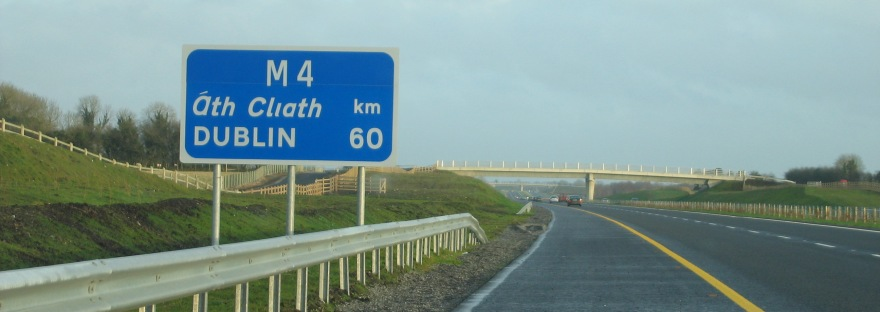 Macron - Pagina 5 Route_confirmation_sign_on_the_m4_near_kinnegad