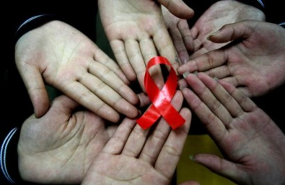 Giornata_mondiale_contro_AIDS_2012_01-586x381